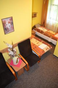 mniejszy pokój 2-os, 4